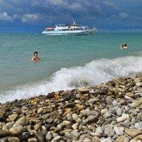Ветер на море гуляет и кораблик подгоняет. :: Олег Рыбалко