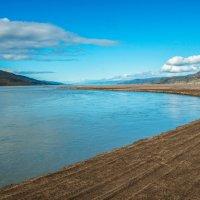 ледниковая река в г.Кангер :: Георгий А