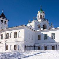 Звонница Спасо-Преображенского монастыря :: Андрей Шаронов