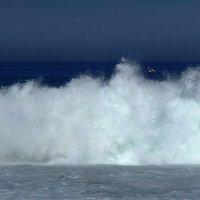 Бурная встреча Океана с Землёй :: Надежда Гусева