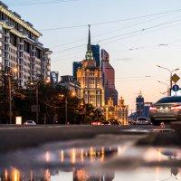Вечер и лужа :: Алексей Саломатов