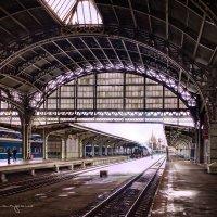 красавец Витебский вокзал :: юрий карпов