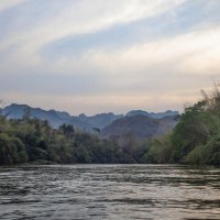 Закат на реке Квай... :: Cергей Павлович