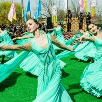 Весенний танец :: Oleg Sharafutdinov