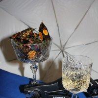 Натюрморт с конфетами. :: Наталья Золотых-Сибирская