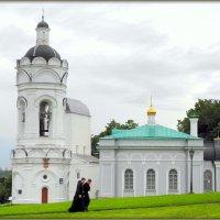 Церковь Георгия Победоносца с колокольней и трапезной :: Михаил