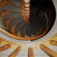 Винтовая лестница :: Ирина Via