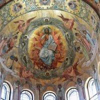 Под сводами храма :: Алексей Поляков
