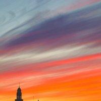 Красный рассвет над Липецком :: kondratissimo