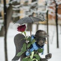 Ангел с розой :: Наталья Левина