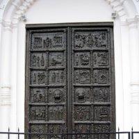 Дверь. Новгородский кремль. :: Ирина ***