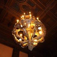 Люстра дубовой столовой Юсуповского дворца :: Наталья Т