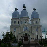 Греко - католический   собор   в   Надворной :: Андрей  Васильевич Коляскин