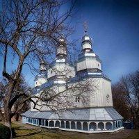 деревянная церковь :: юрий иванов
