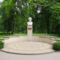 Памятник   Ивану    Франко   в    Надворной :: Андрей  Васильевич Коляскин
