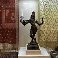 Скульптура Вишну-Кришны в одном из воплощений :: dindin