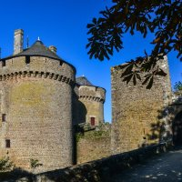 Замок Лассэ-ле-Шато (chateau de Lassay-les-Chateaux) :: Георгий