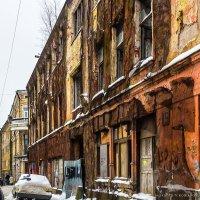 Любовь здесь больше не живет... :: Сергей В. Комаров