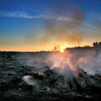 Рассветный костёр.апреля... :: Андрей Войцехов