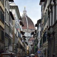 Италия.. Флоренция... Флорентийские узкие улочки... :: Galina Leskova