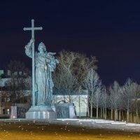 Памятник князю Владимиру :: Максим