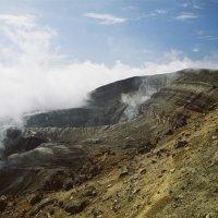 Кратер вулкана Горелая сопка. :: Валерий Давыдов
