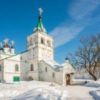 Собор с золотыми крестами :: Юлия Батурина