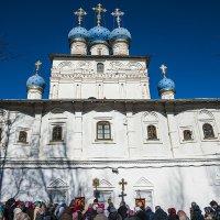 Крестный ход в Церкви Казанской иконы Божией Матери в Коломенском. :: Игорь Герман