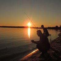 Вечерняя рыбалка на Оке :: Вячеслав Маслов