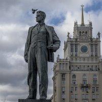 Москва, Триумфальная площадь. Любимый поэт. :: Игорь Олегович Кравченко