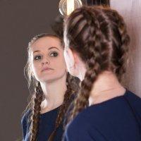 Отражение в зеркале :: Valentina Zaytseva