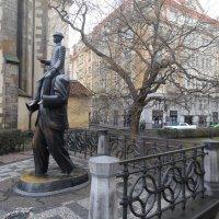 Памятник Ф.Кафке :: Ирина Л