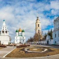 Соборная площадь в Коломне :: Юлия Батурина