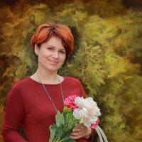 Вы замечали, как прекрасна С букетом женщина в руках? Да по глазам мы видим ясно – Она от счастья в :: ALISA LISA