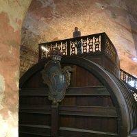Гейдельбе́ргская бо́чка — самая большая бочка для вина, хранящаяся в подвалах Гейдельбергского замка :: Anna Gornostayeva