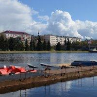 Великие Луки. Река Ловать. Лодочная станция... :: Владимир Павлов