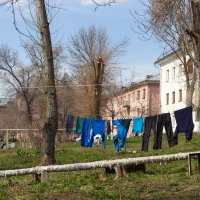 Весенние дворики 03 :: Олег Манаенков