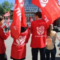 Майские праздники - повод засветится для 353 украинских партий... :: Алекс Аро Аро