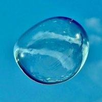Мыльный пузырь... :: Евгений Яхим