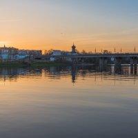 Вечер на реке Великой.Псков. :: Виктор Евстратов