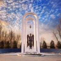 Памятник ликвидаторам аварии на Чернобыльской АЭС :: Александр Иващин