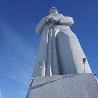 35 метровый монумент в память «Неизвестному Солдату» :: Анна Приходько