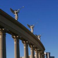 """Такая колоннада у отеля """"Дворец Цезаря"""", Лас Вегас :: Юрий Поляков"""