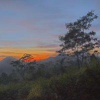 Рассвет на вулкане :: Александр