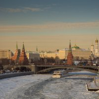 Москва. Вид со смотровой площядки Храма Христа Спасителя.2. :: Андрей Ванин