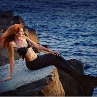 Морская русалка на закате :: Олеся Циганок