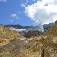 Вход в кратер. :: Валерий Давыдов