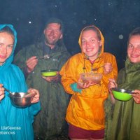 Под дождём суп можно есть вечно ) :: Михаил Шабанов