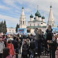 9 мая, праздник Победы, на Советской площади Ярославля :: Николай Белавин