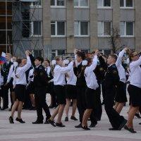 Вальс в исполнении кадетов. :: Андрей + Ирина Степановы